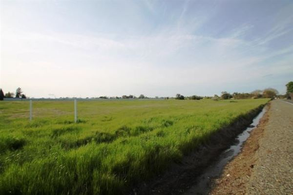 AIRY 15 Acre Lot luxury homes