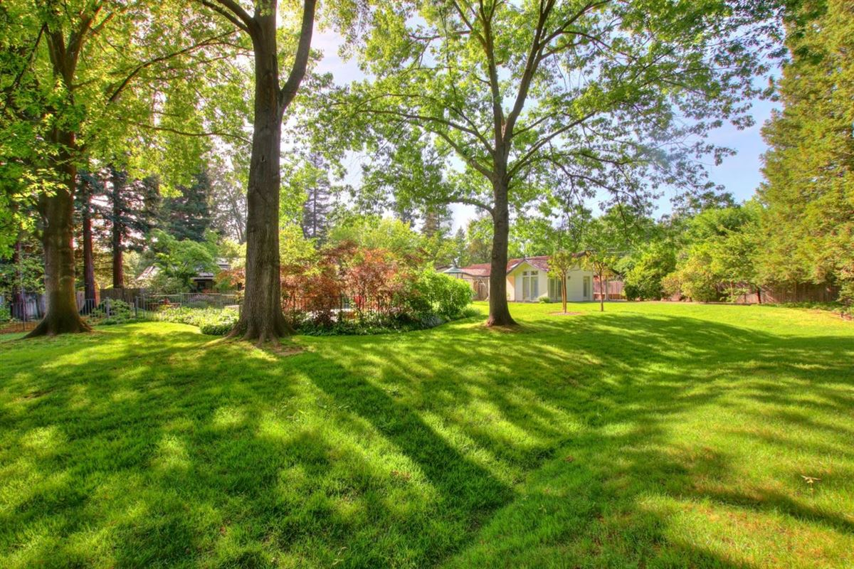 Luxury properties A gardeners paradise