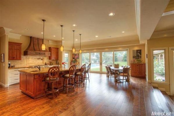 Luxury homes Elegant home in granite bay