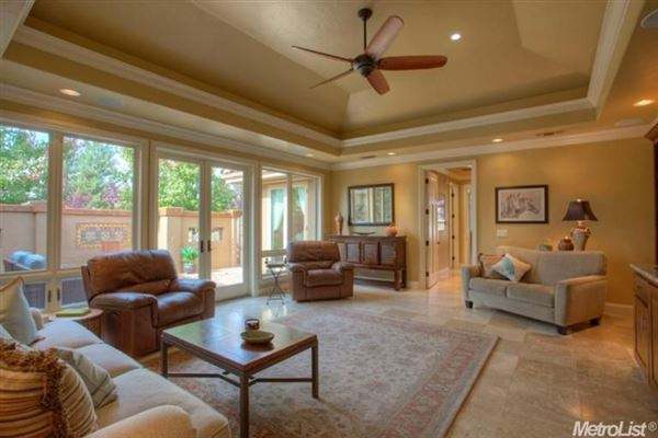 Mansions Elegant home in granite bay
