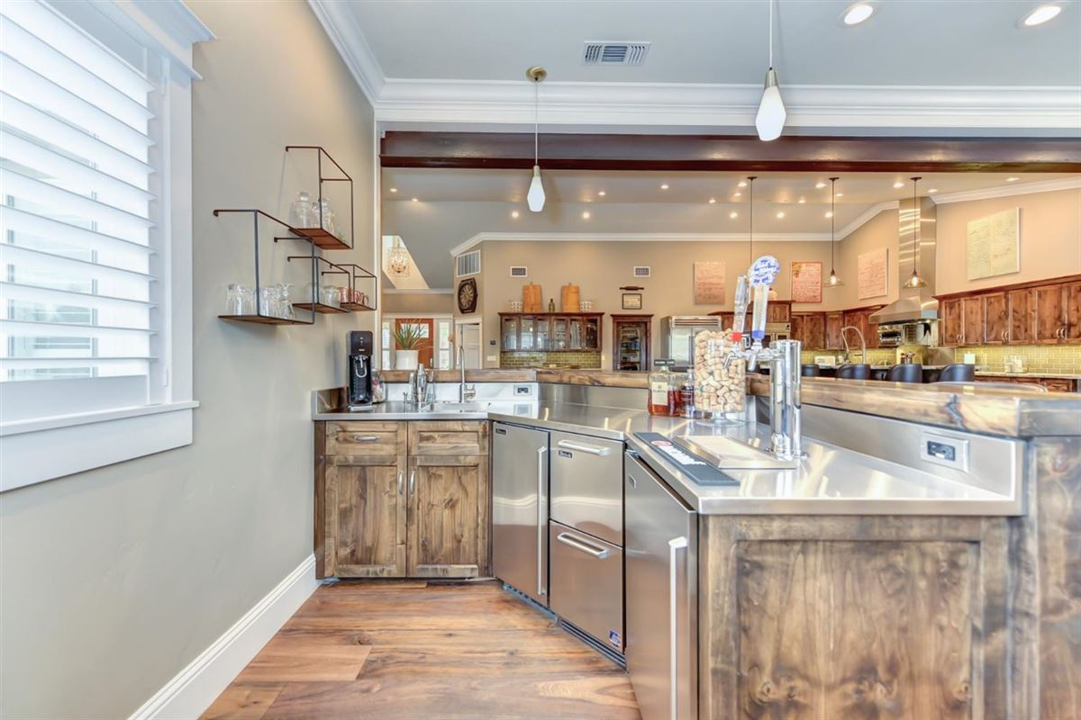 Custom Craftsman Gated Estate luxury properties