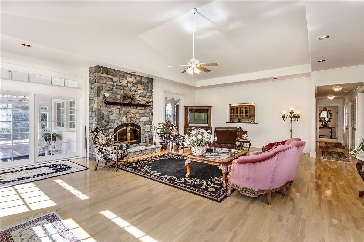 Great location in lotus luxury properties