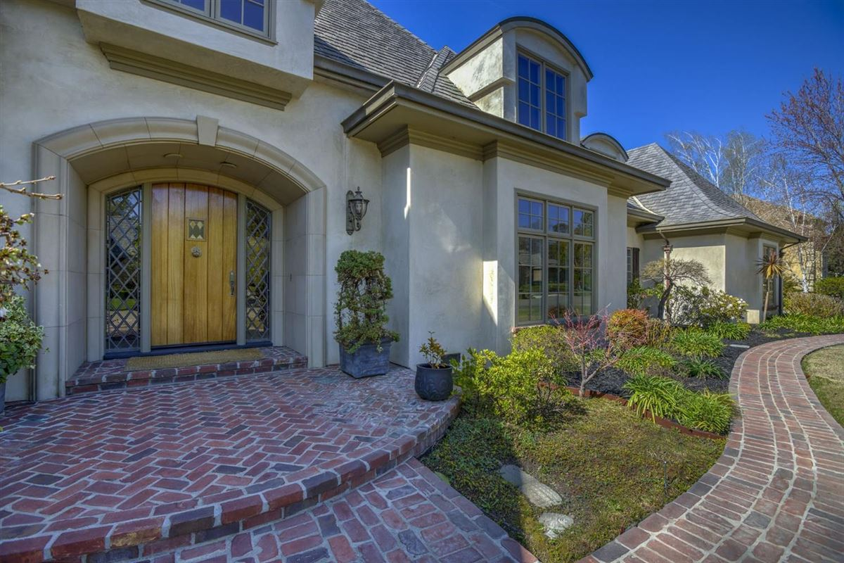 Luxury homes a Majestic custom home