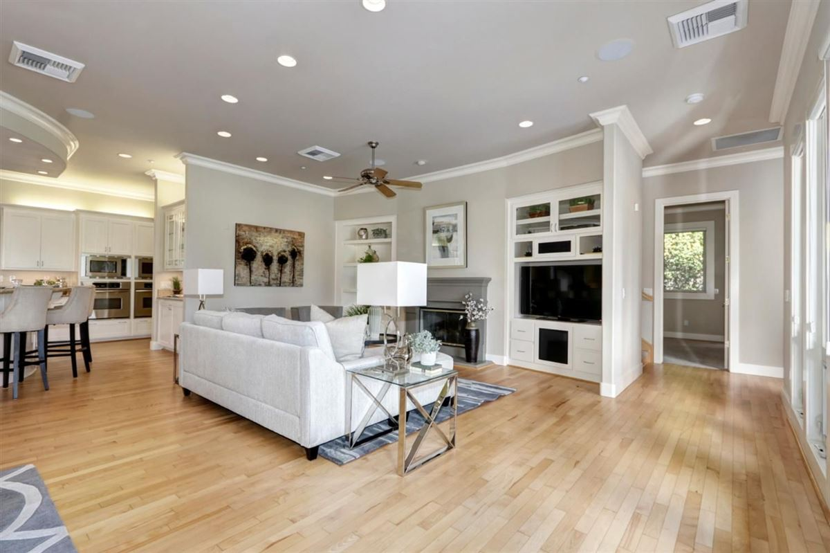gorgeous custom home in El Macero Country Club Estates mansions