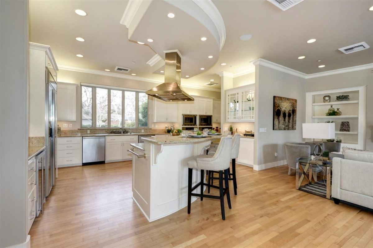 Luxury homes gorgeous custom home in El Macero Country Club Estates