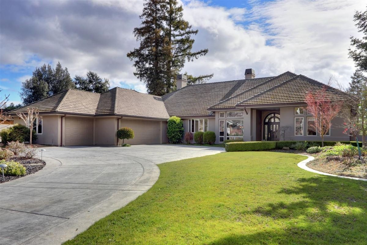 gorgeous custom home in El Macero Country Club Estates luxury real estate