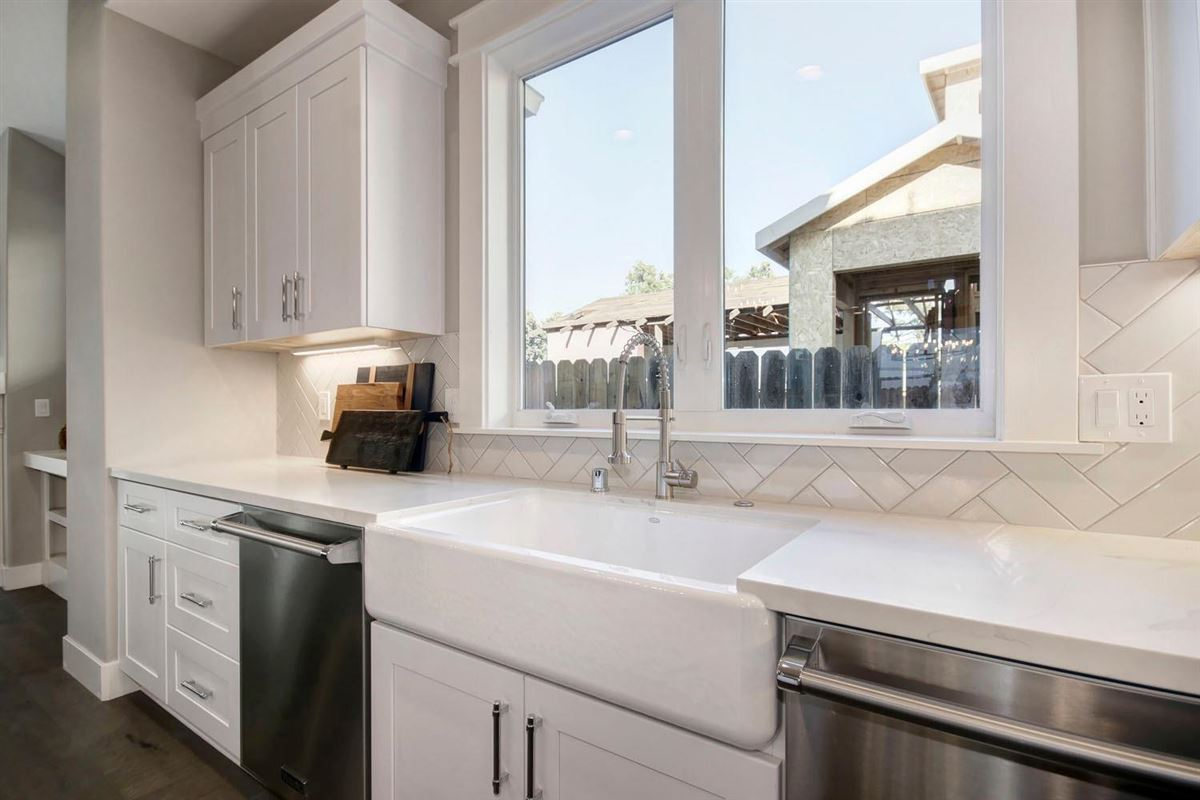 Luxury homes Swanston Drive in historic Land Park