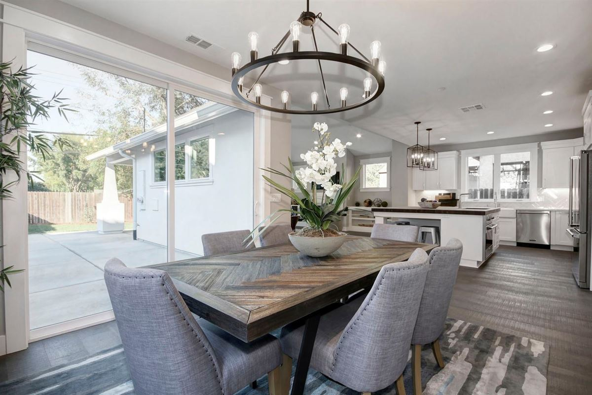 Swanston Drive in historic Land Park luxury properties