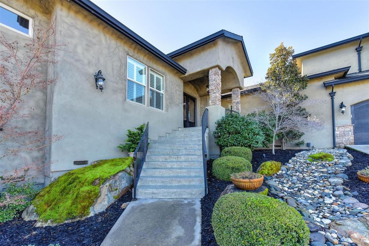 Luxury properties spectacular home in Exclusive Canyon View Estates