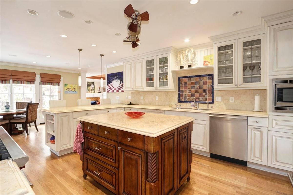 Classic and elegant home in the fabulous forties luxury real estate