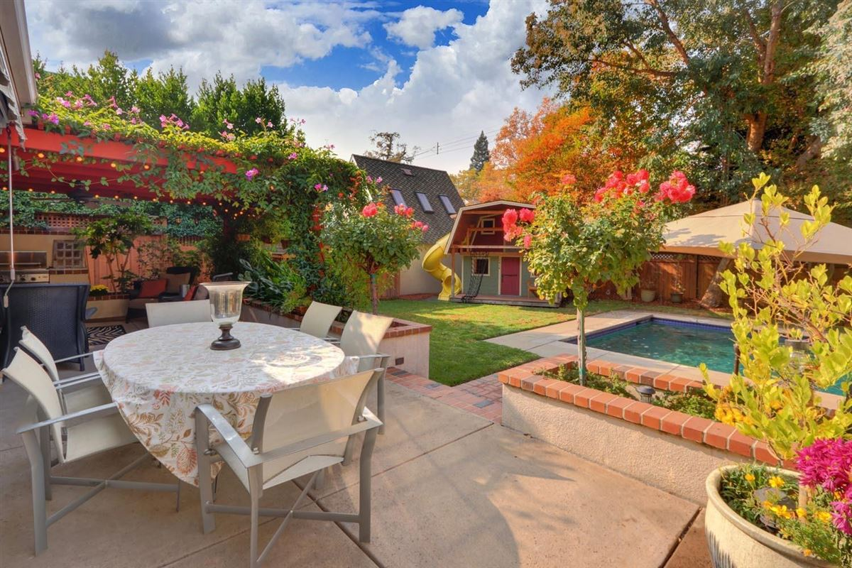 Classic and elegant home in the fabulous forties luxury properties