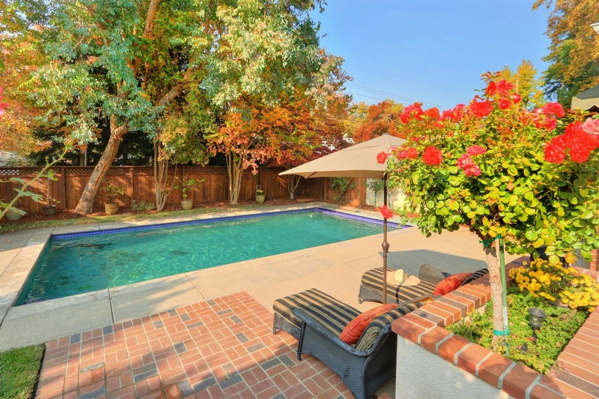 Classic and elegant home in the fabulous forties mansions