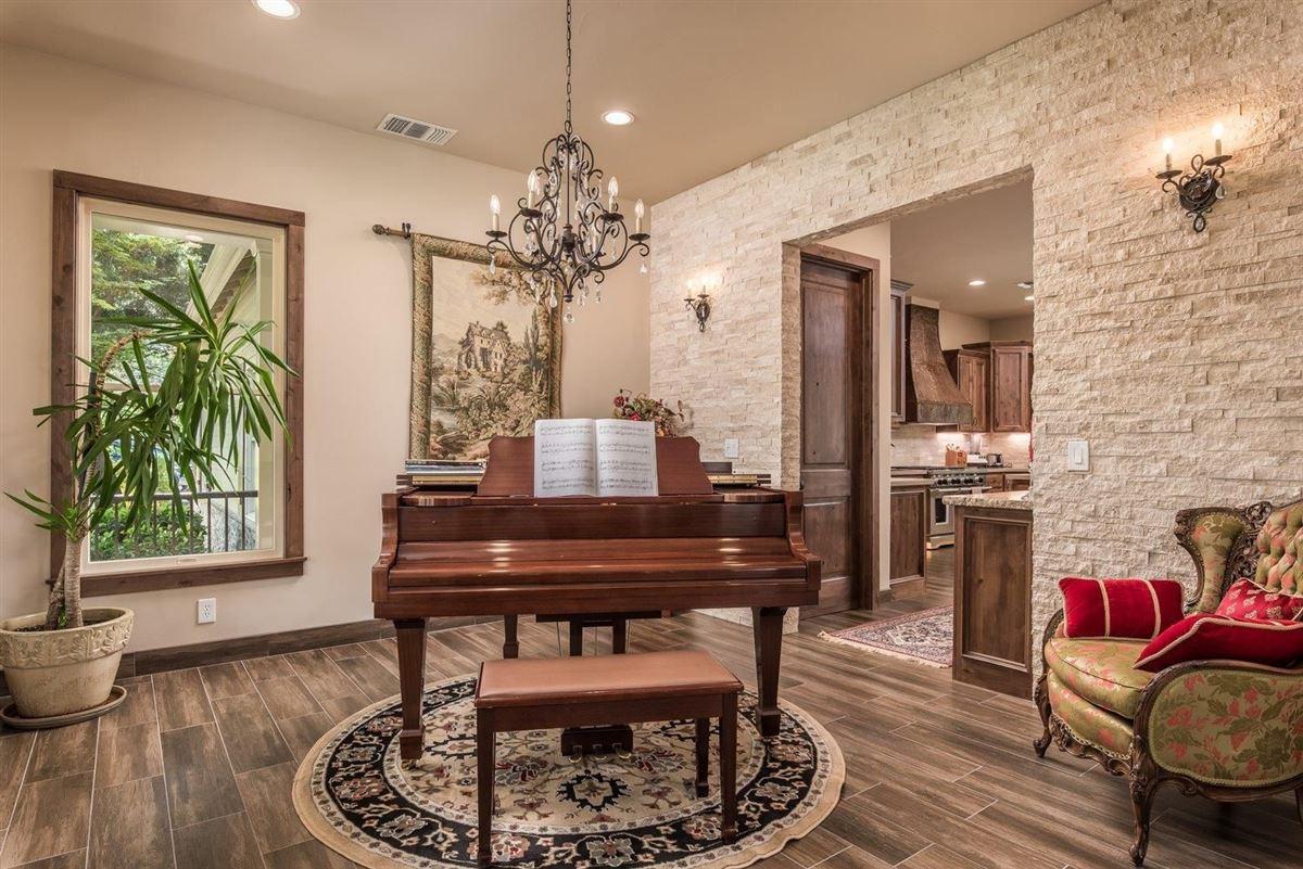 Luxury homes Stunning custom built home in newcastle