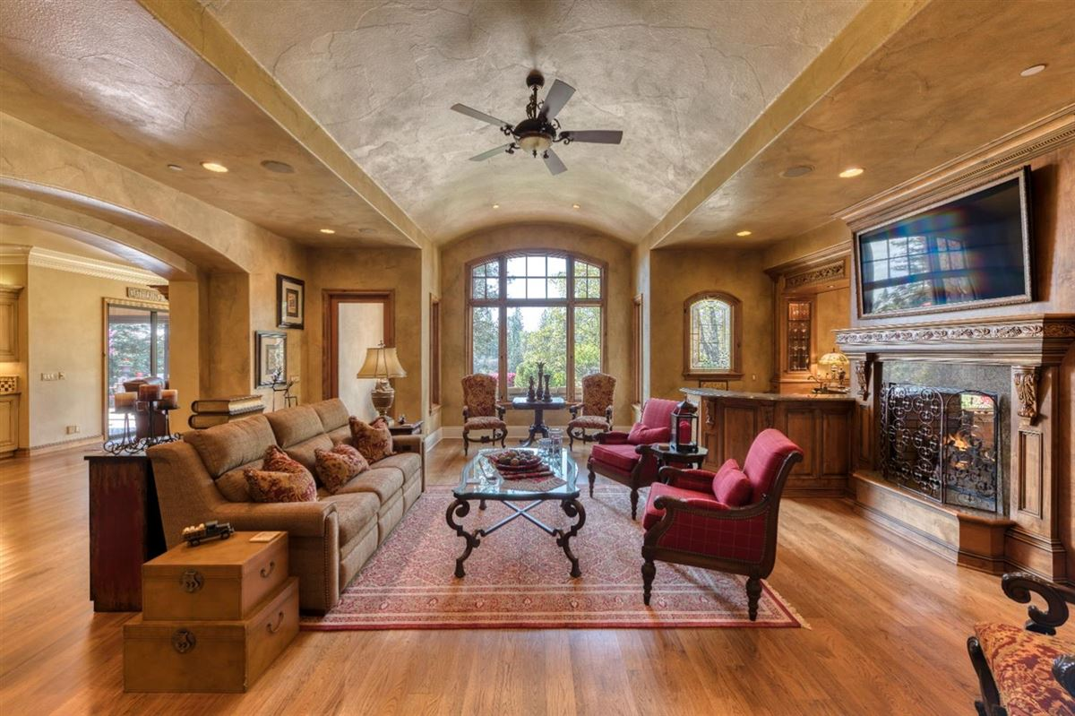 sophisticated yet comfortable home overlooking the fairway luxury real estate