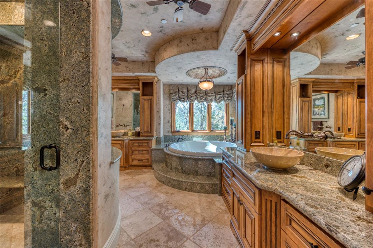 Mansions sophisticated yet comfortable home overlooking the fairway