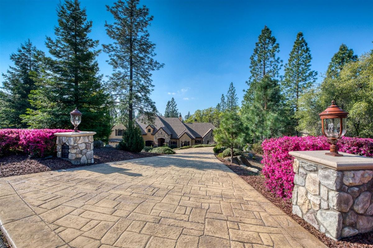 sophisticated yet comfortable home overlooking the fairway luxury homes