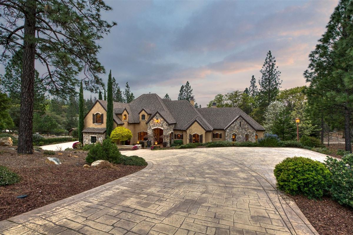 sophisticated yet comfortable home overlooking the fairway mansions