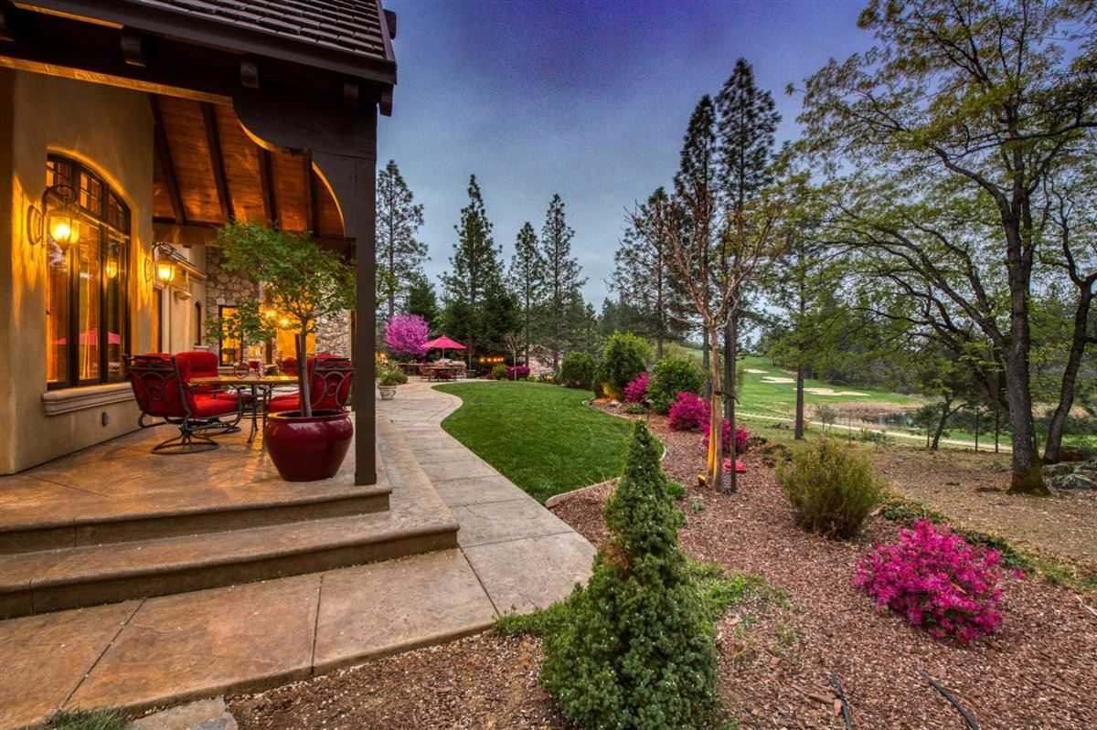 Luxury homes sophisticated yet comfortable home overlooking the fairway