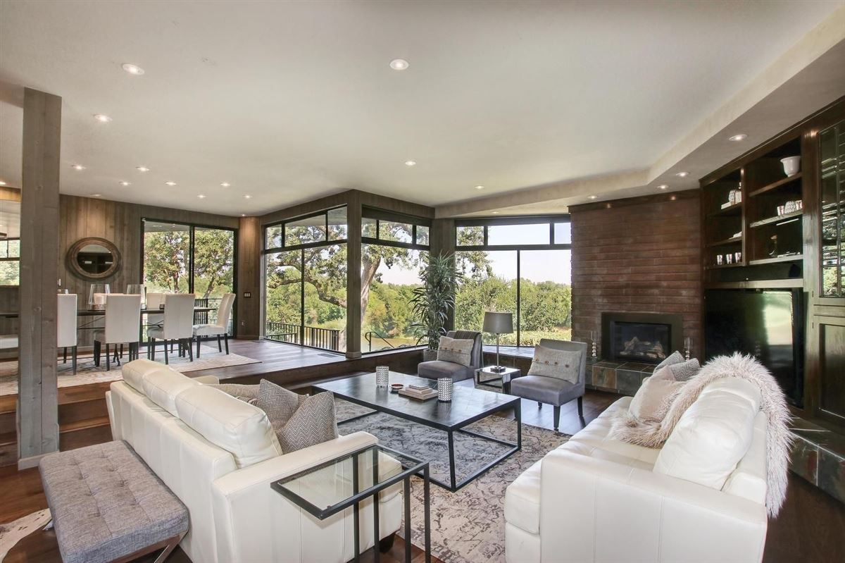 Luxury real estate An American River Gem in sacramento