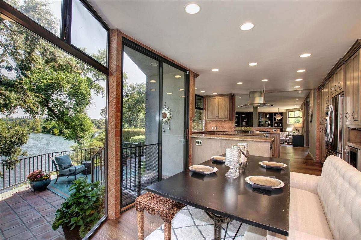 Mansions in An American River Gem in sacramento