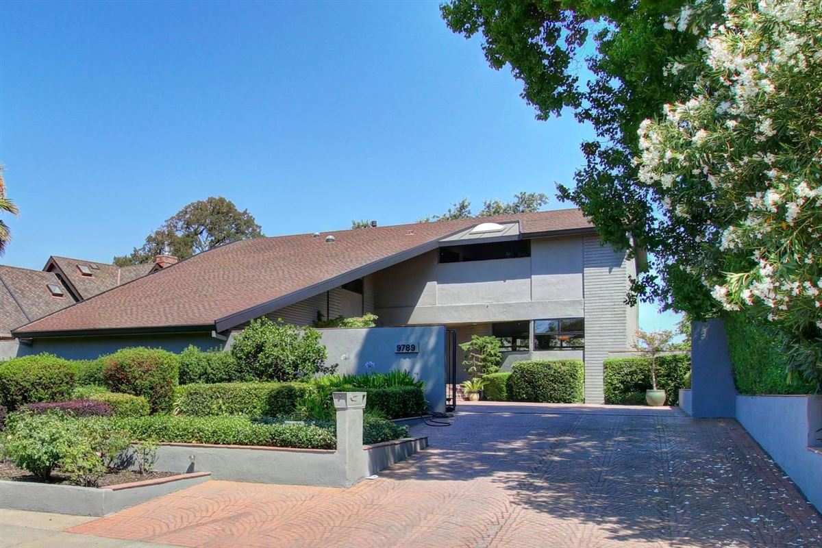 An American River Gem in sacramento luxury homes