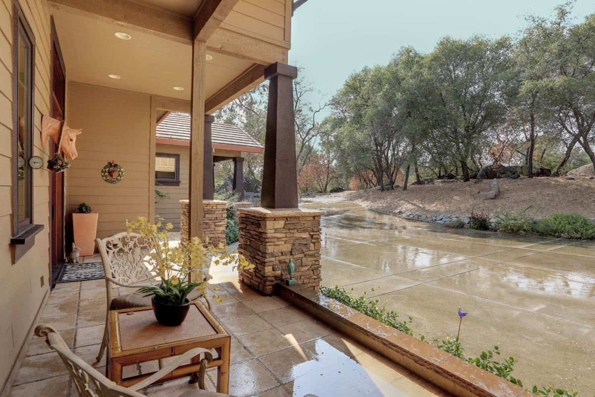 Outstanding residence, setting andlocation luxury real estate