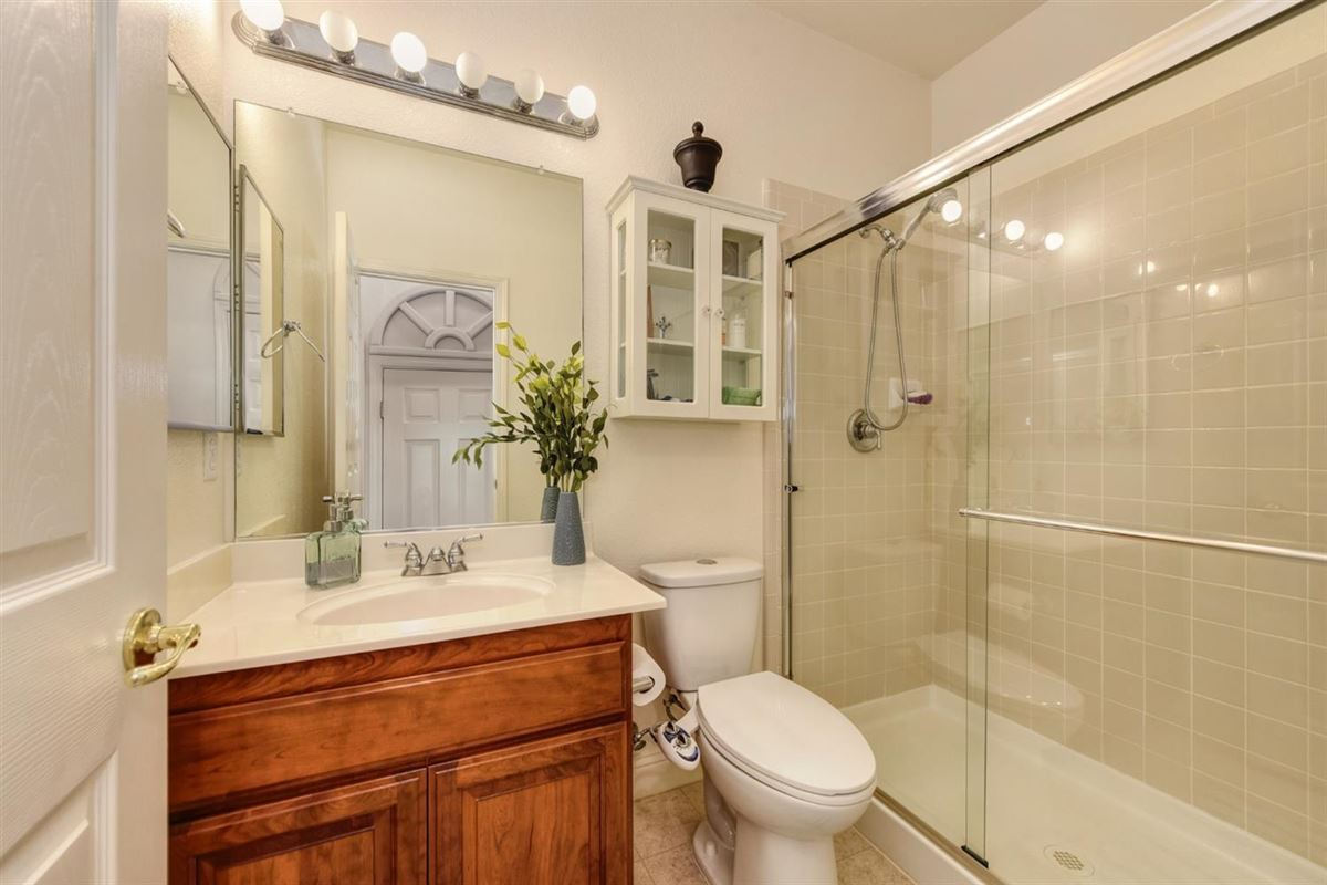 Luxury properties beautiful home and property in gated Silvergate Community