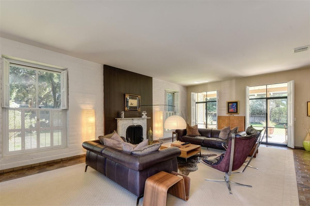Luxury properties Private Delta Riverfront estate