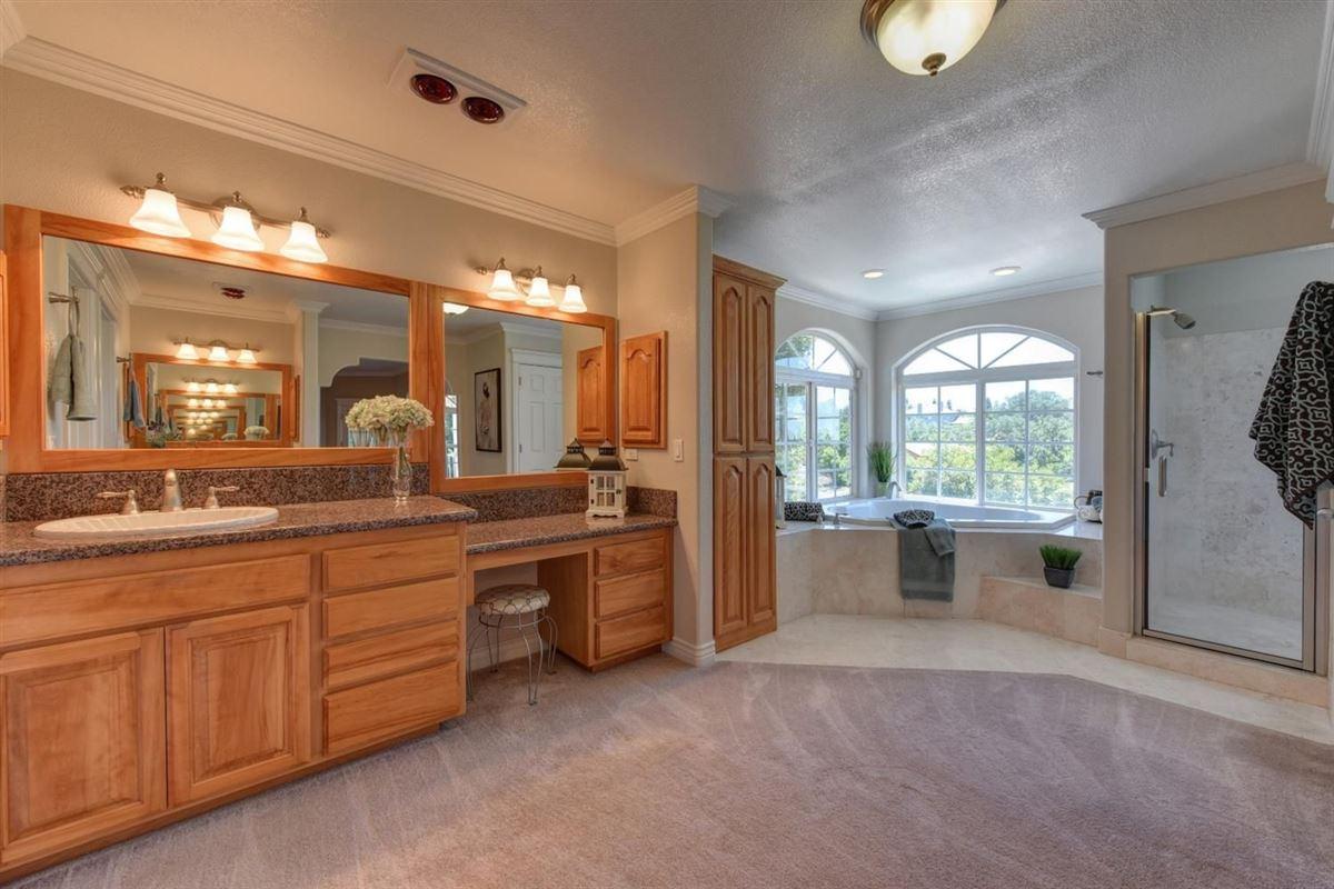 beautiful custom home in prestigious Los Cerros mansions