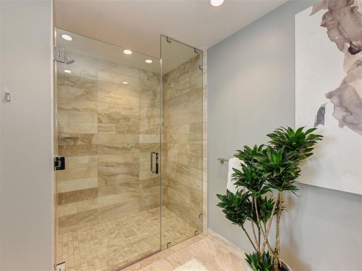 Luxury properties exclusive upscale condo residences