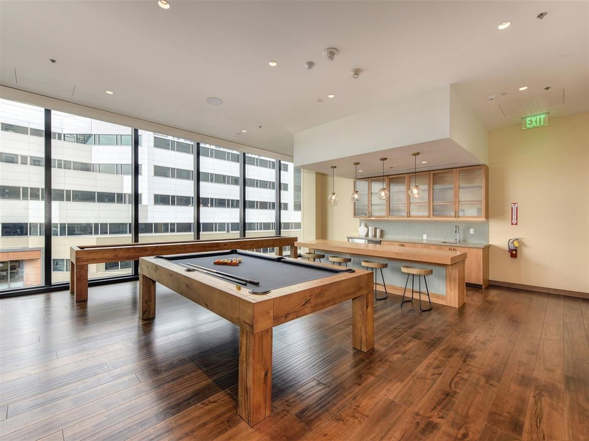 Mansions in exclusive upscale condo residences