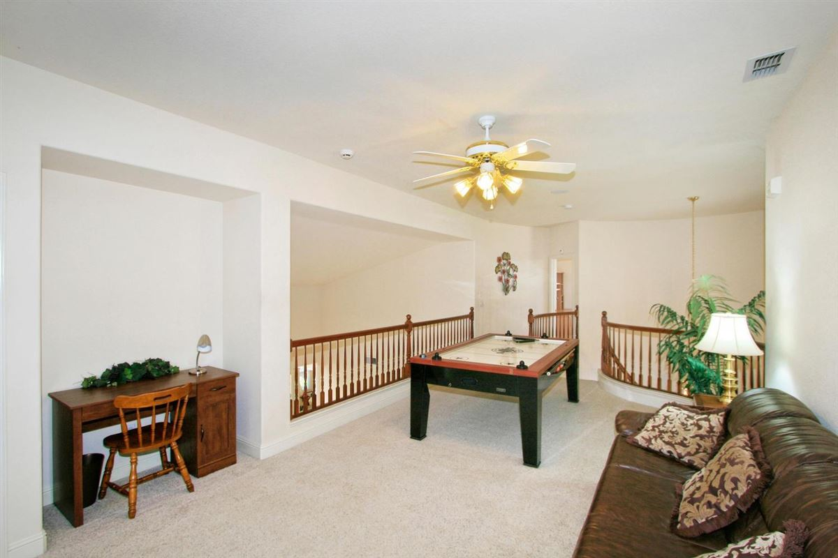 Luxury homes in Granite Bay Pointe beauty
