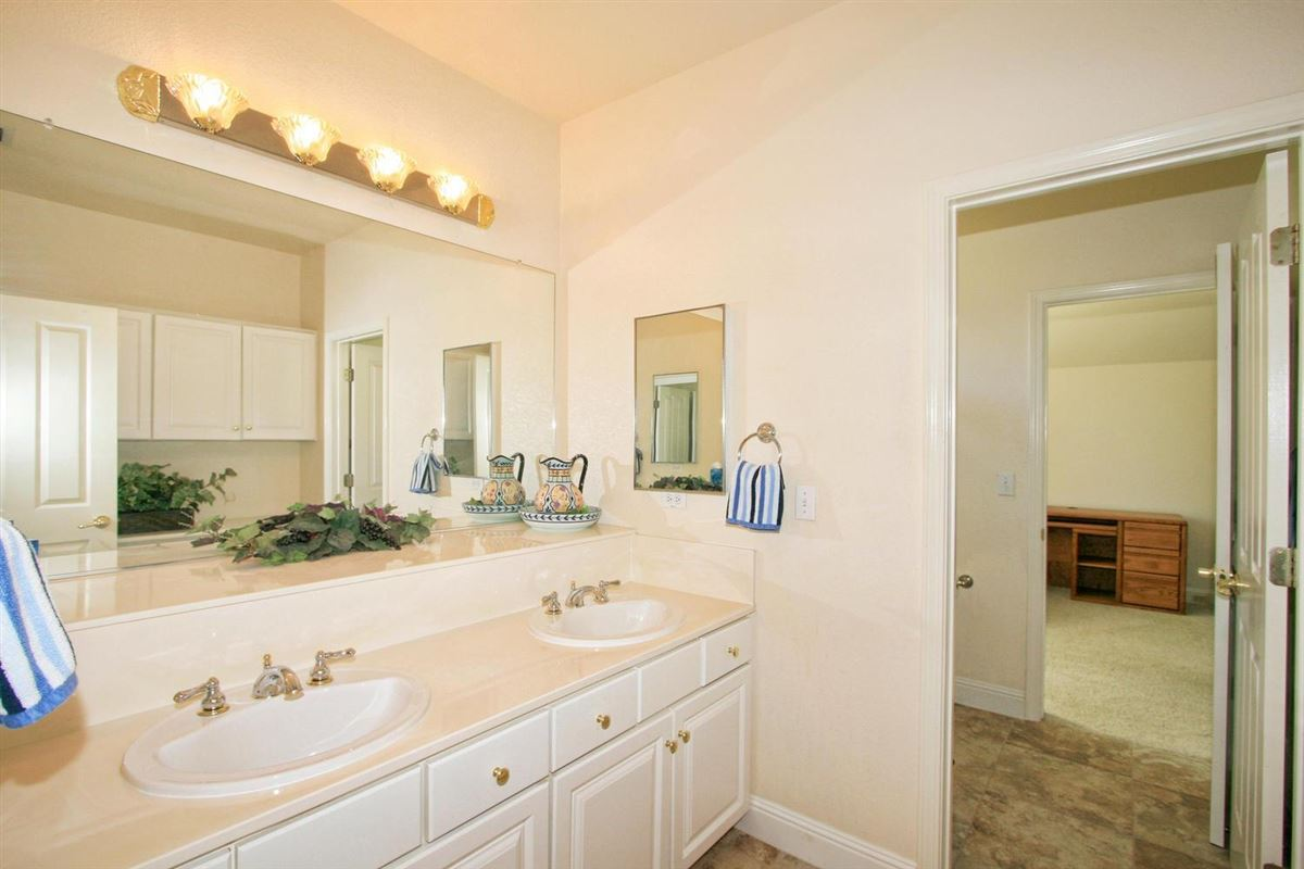 Mansions in Granite Bay Pointe beauty