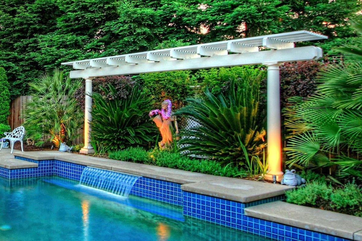 Granite Bay Pointe beauty luxury properties