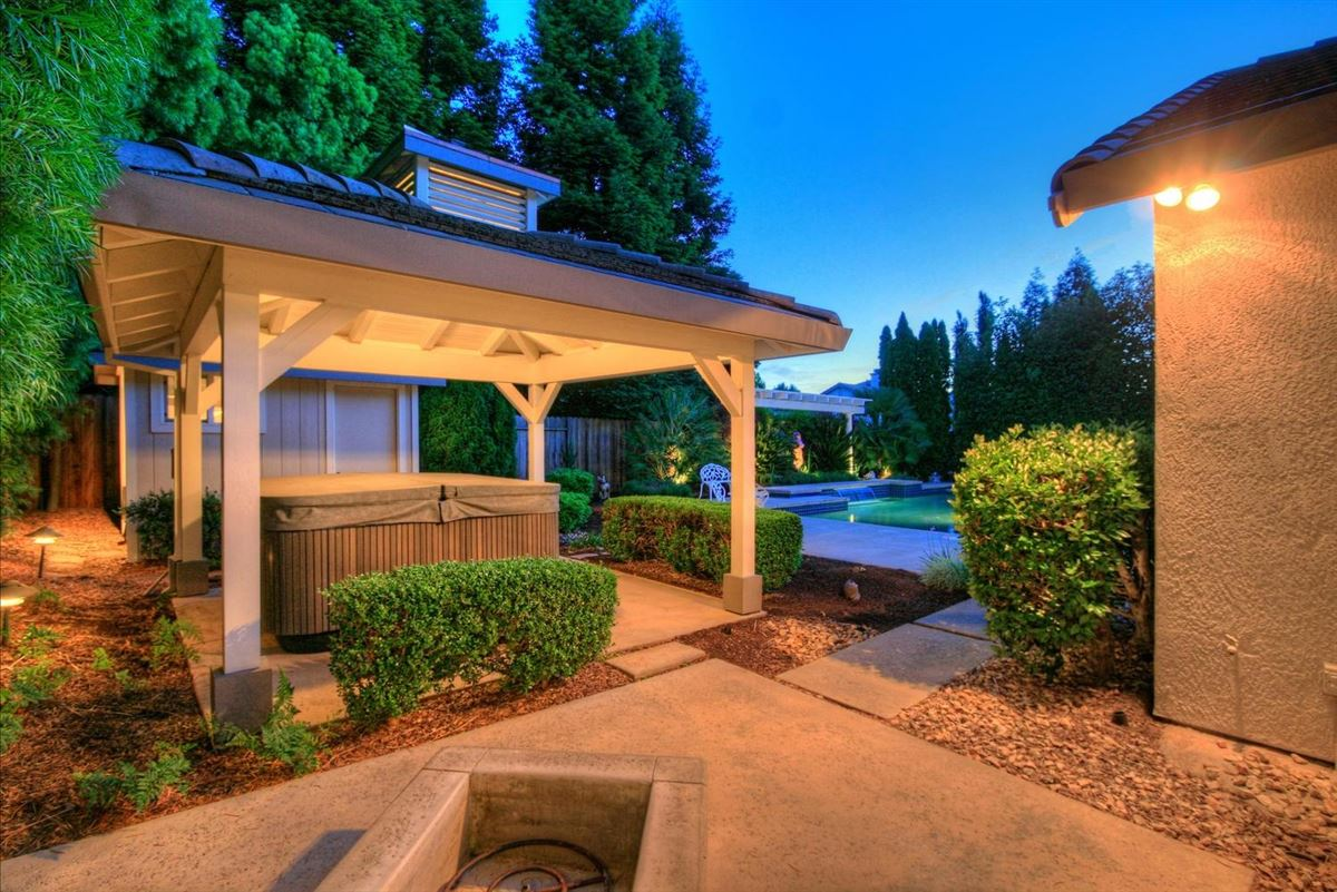 Mansions Granite Bay Pointe beauty