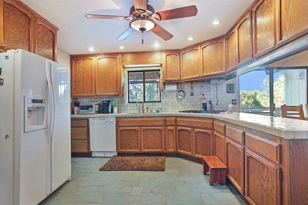 extraordinary ranchette in desirable El Dorado County luxury real estate