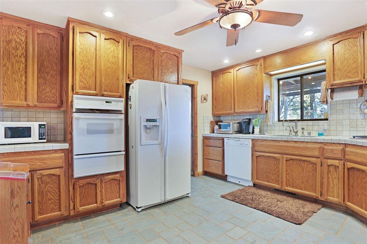 Luxury properties extraordinary ranchette in desirable El Dorado County