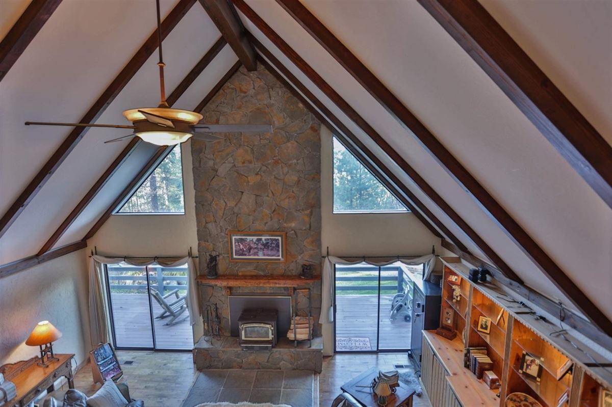 Mansions extraordinary ranchette in desirable El Dorado County