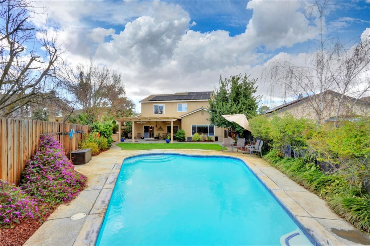 Luxury real estate pool home on quiet cul-de-sac in Wildhorse