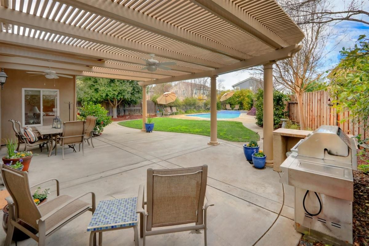 pool home on quiet cul-de-sac in Wildhorse luxury real estate