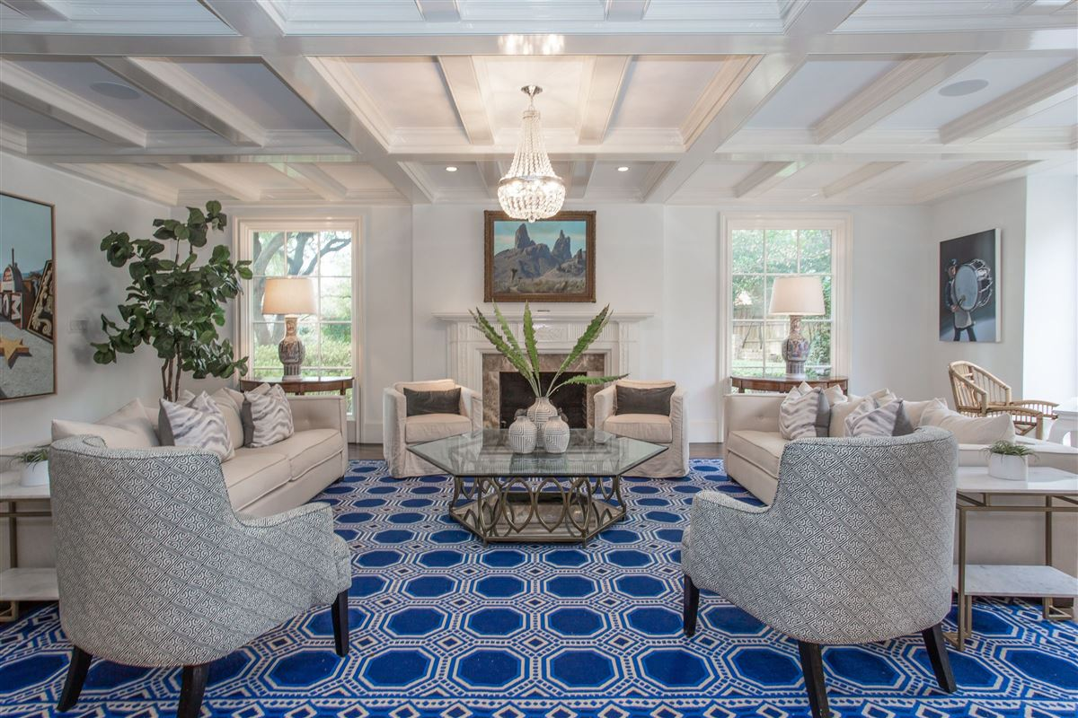 Luxury real estate classic traditional in westover hills