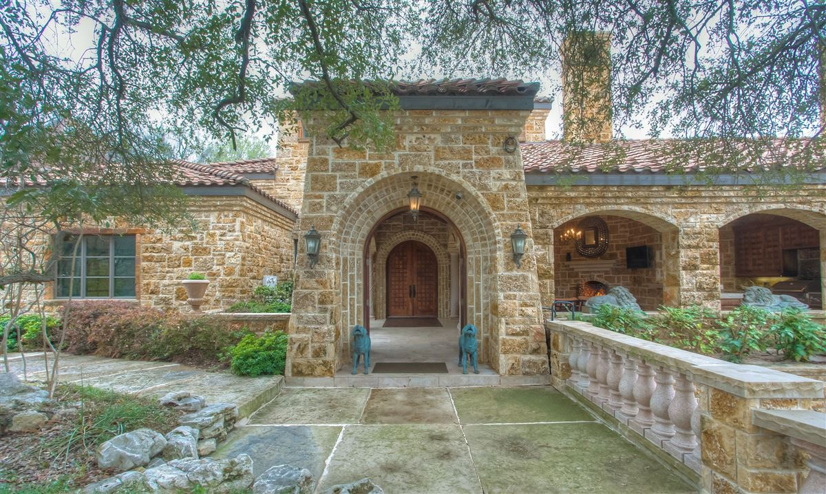 Spectacular Property In Fort Worth