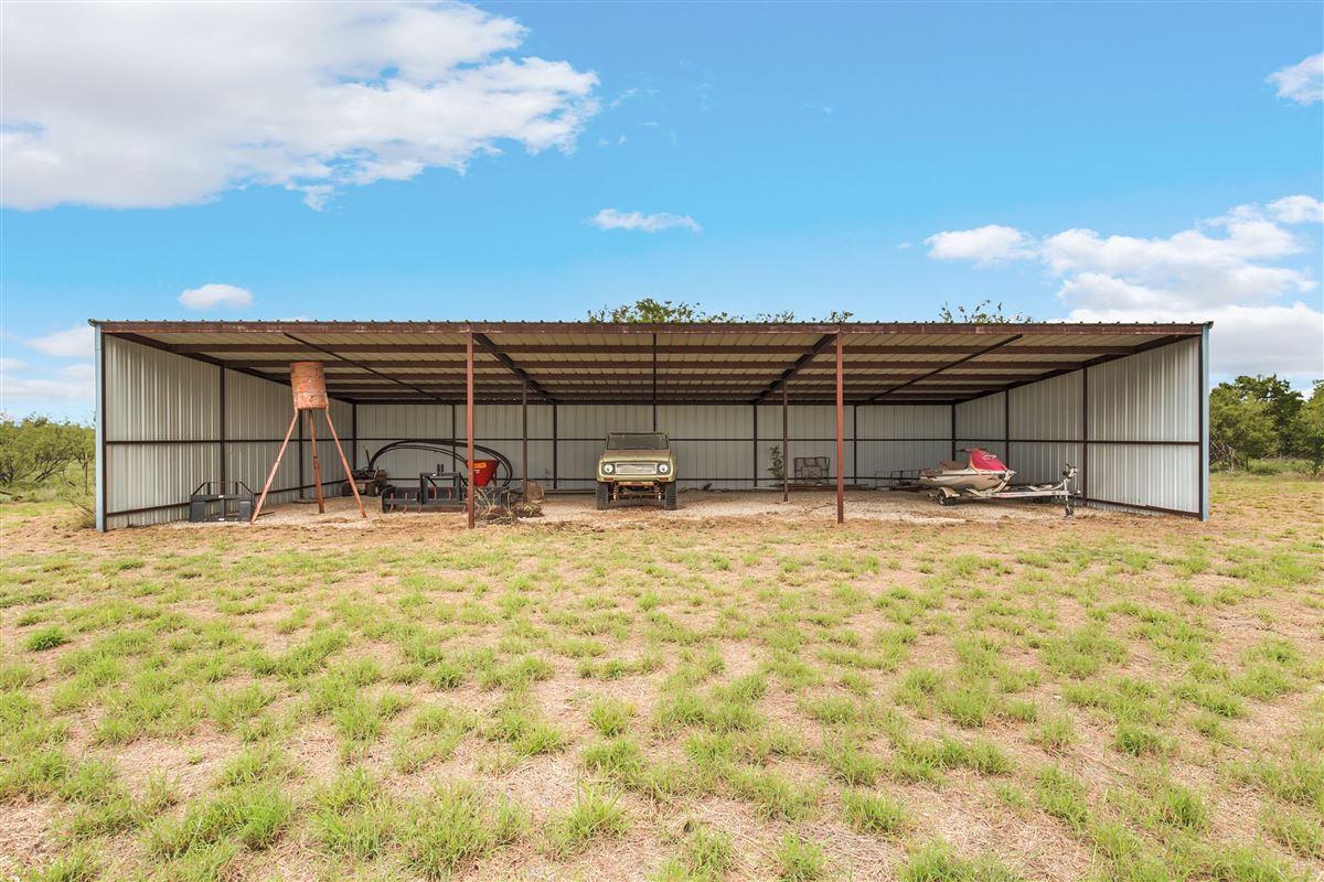 Luxury properties 339-acre recreational ranch