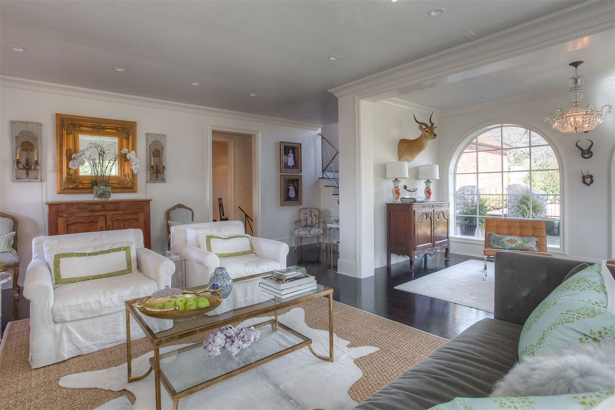 Stunning, English Tudor home  luxury properties