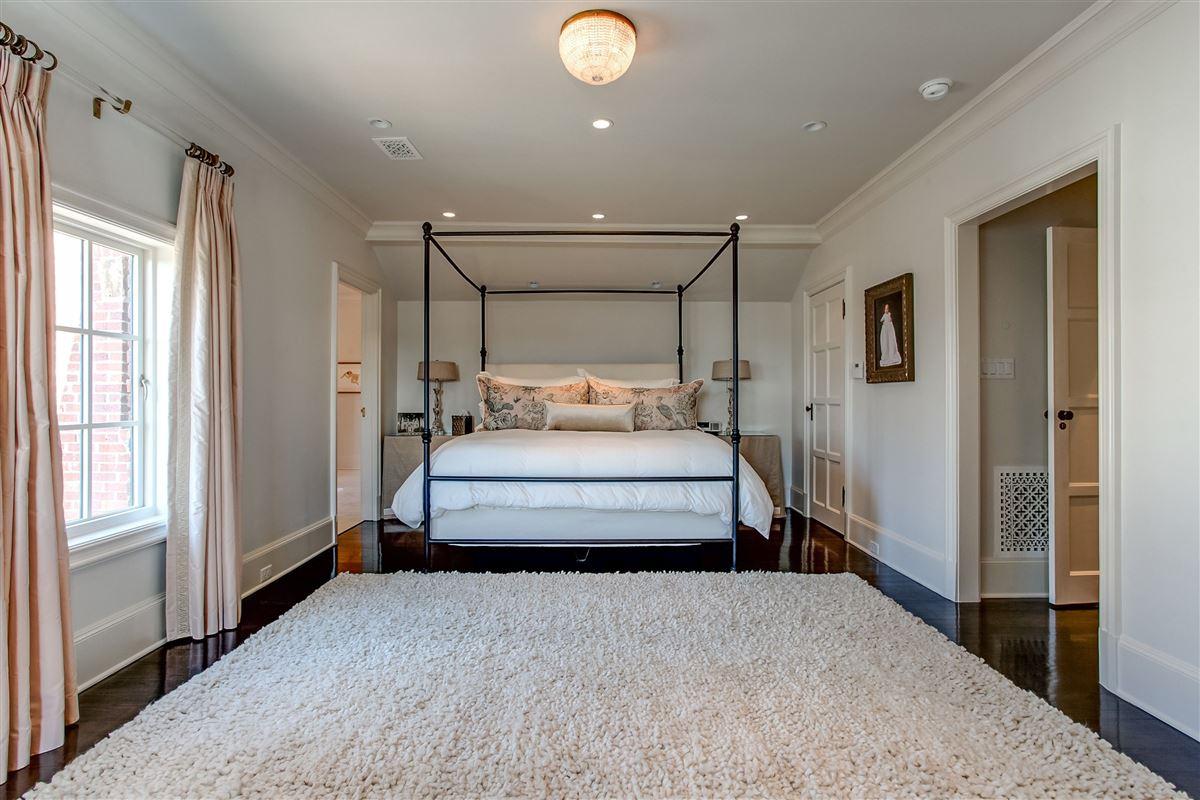 Luxury properties Stunning, English Tudor home