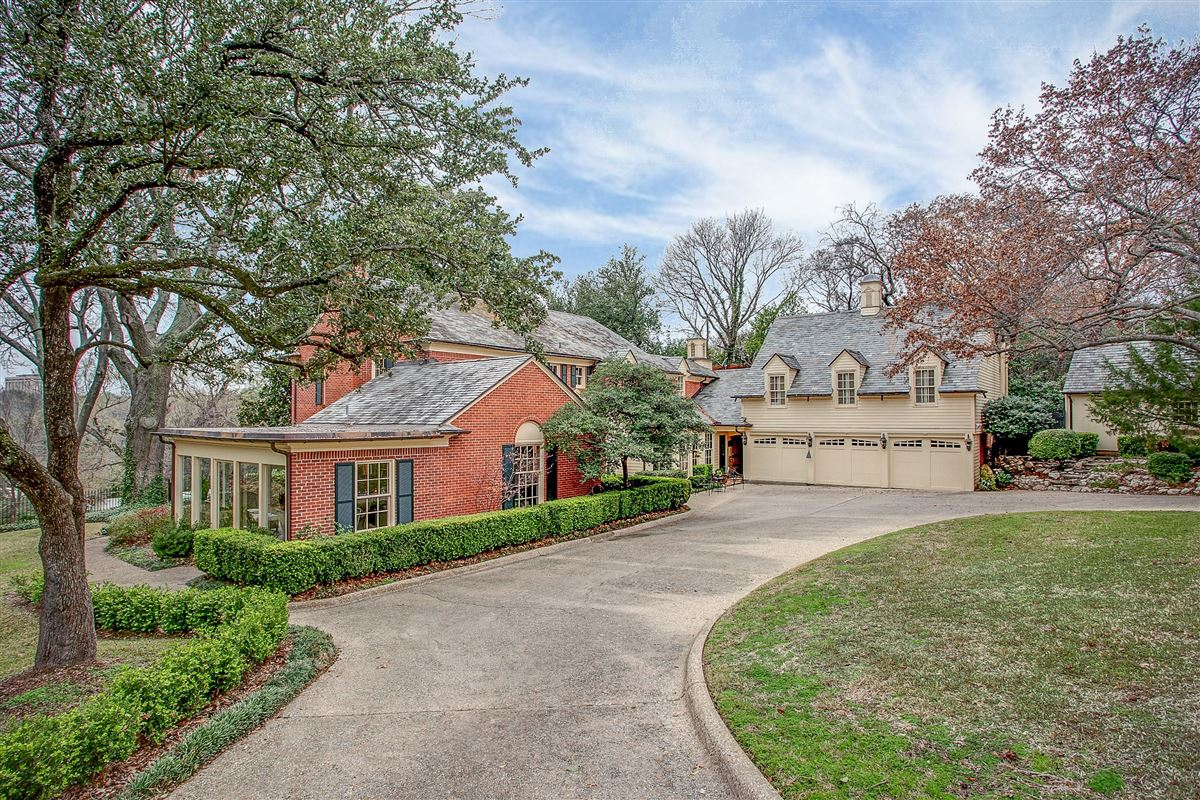 timeless fort worth Colonial Revival luxury homes