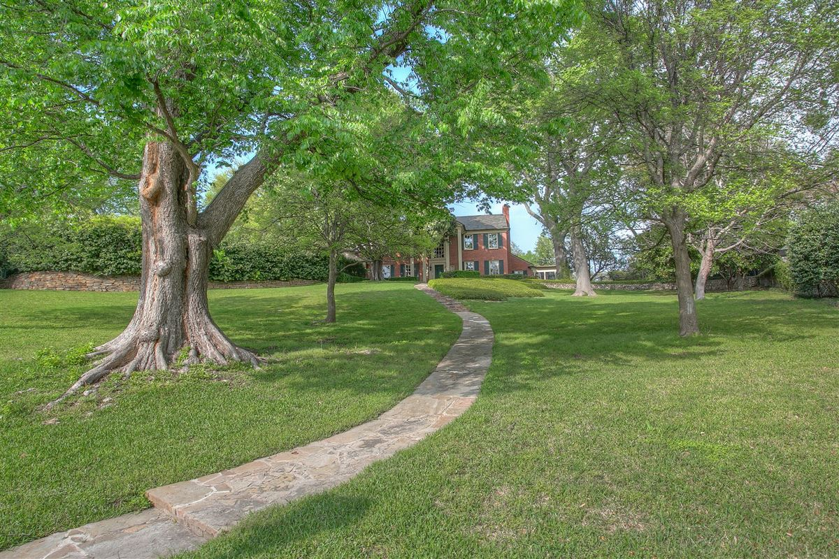 Luxury real estate timeless fort worth Colonial Revival