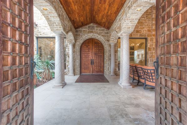 Luxury properties exquisite and private home