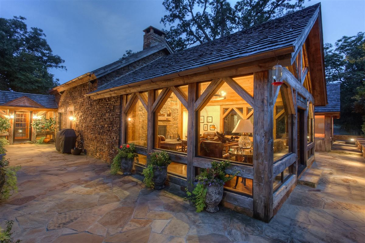 flying a ranch luxury properties