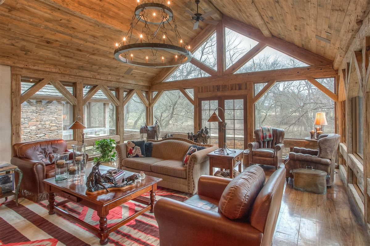 flying a ranch mansions